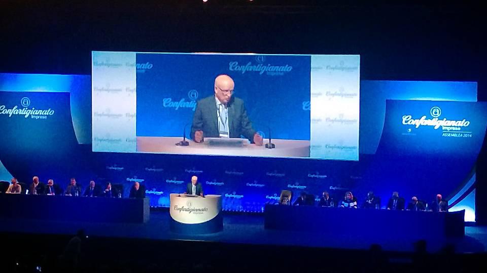 Il presidente Giorgio Merletti sul palco dell'Assemblea