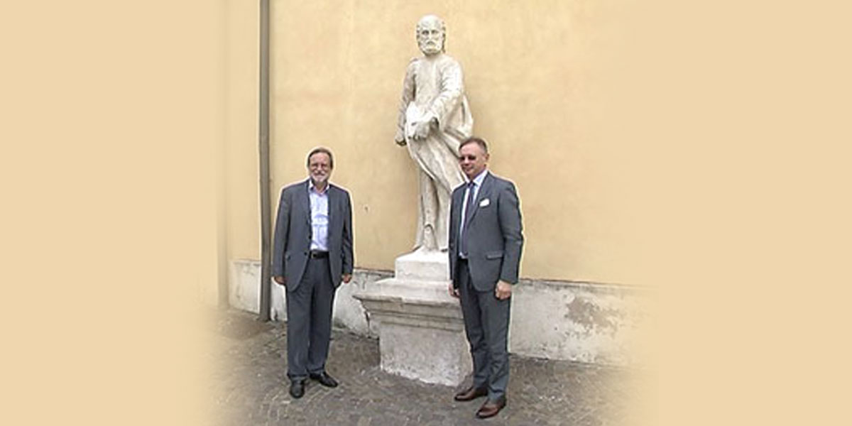 2014 settembre – Restauro delle statue dei Santi Pietro e Paolo di Piazzetta del Duomo a Thiene