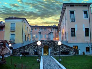 Valdagno, Palazzo Festari