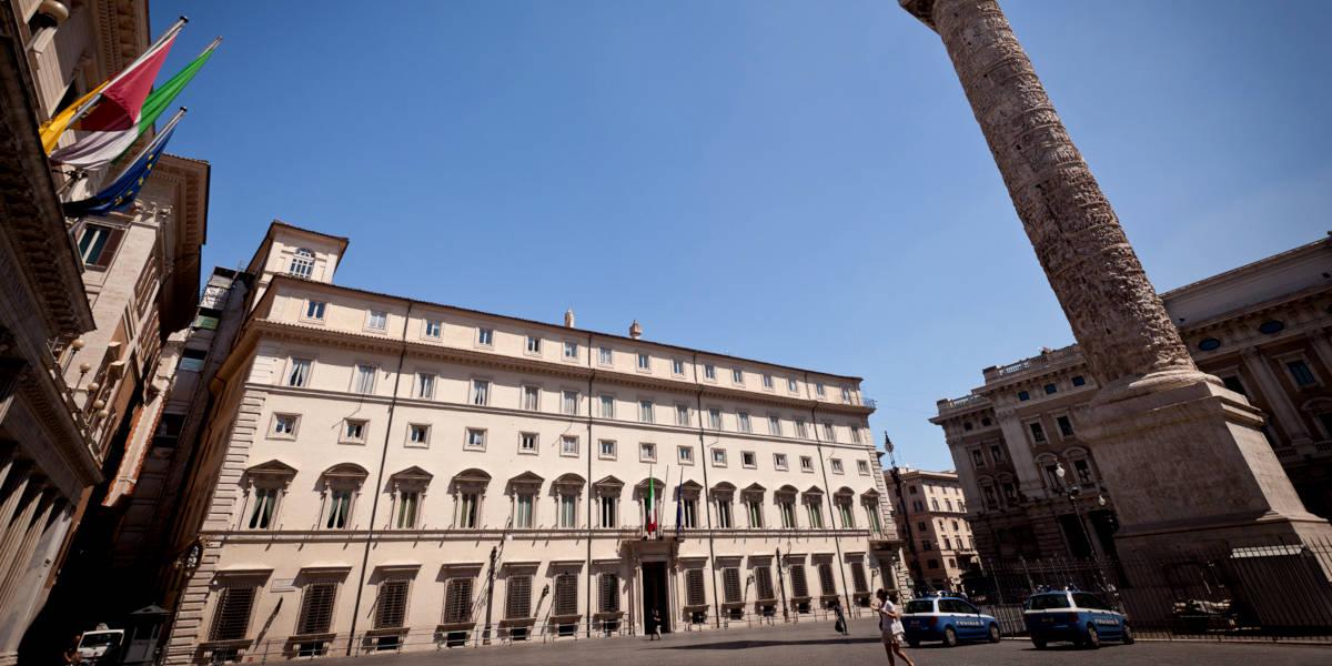 Palazzo Chigi, foto di jimmyweee da Wikipedia